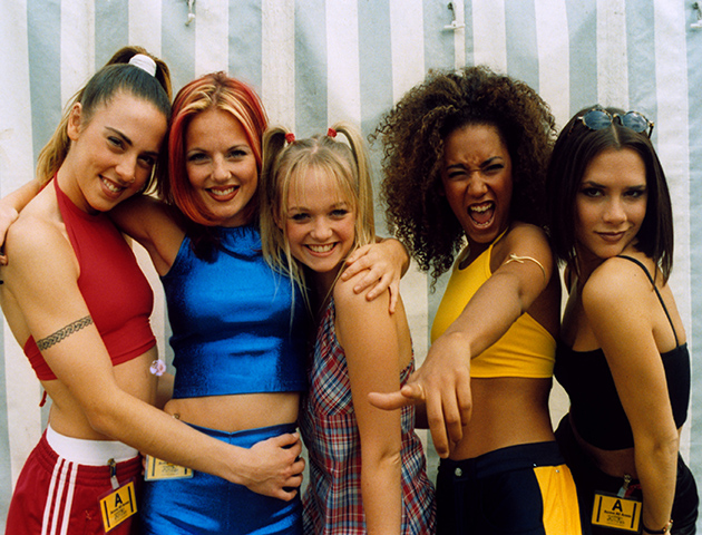 photos of single girls 90's outfits № 140151