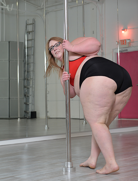 Fat Pole Dance - Agurk Asshole-4084