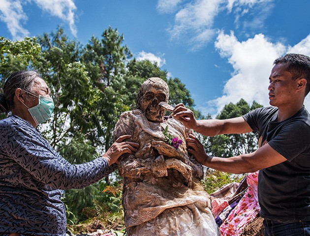 Ceremony of Cleaning Corpses during Ma'nene festival, South Sulawesi, Indonesia - Apr 2016