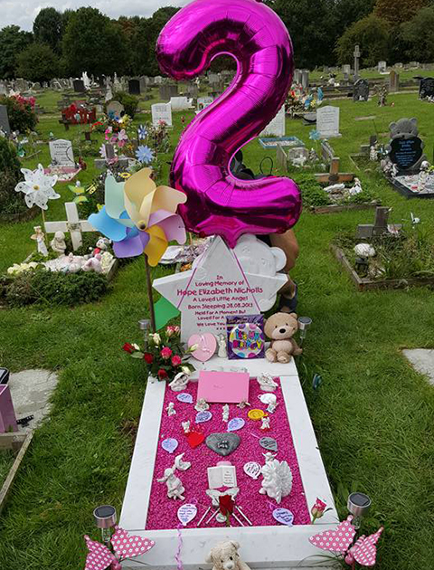 Jacks Birthday Celebration Grave Decorated After Losing Hope Me And Her Dad Split But I Went On To Have Two More