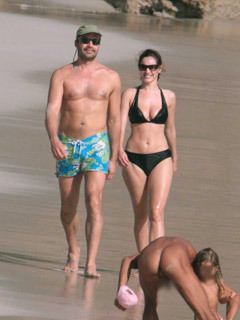 Billy Zane and Kelly Brook confronted by naked man on beach