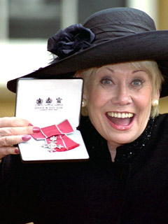 Liz Dawn is awarded an MBE in October 2000