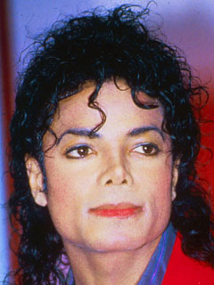 Michael Jackson has a completely different nose in 1988