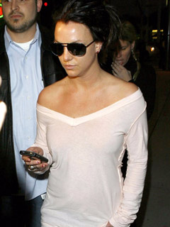 Who is Britney Spears texting?