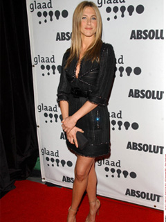 Jennifer Aniston gets the glitter bug