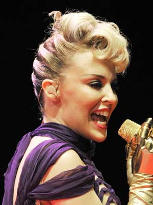 Kylie Minogue wows the crowds