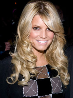 Jessica Simpson shows us what she's made of