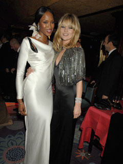 Kate Moss and Naomi Campbell look like best friends