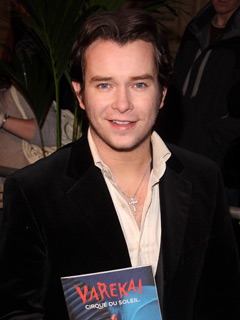 Stephen Gately catches the show