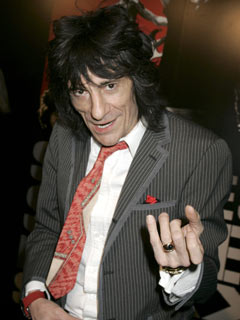 Ronnie Wood rocks out