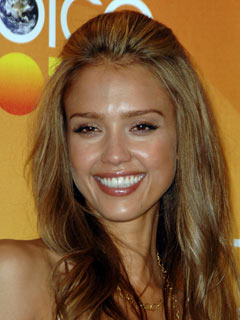 Jessica Alba shows off her pearly whites
