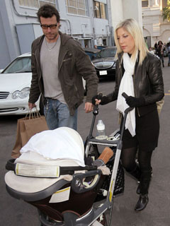 Tori Spelling has a family day out