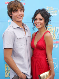 OMG! How gorgeous are Zac Efron and Vanessa Hudgens in August 2007?