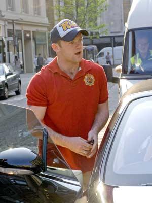 Wayne Rooney escapes a parking ticket