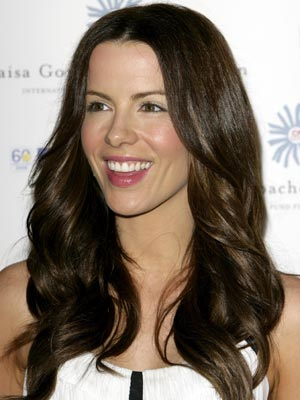 Kate Beckinsale stays rich and warm