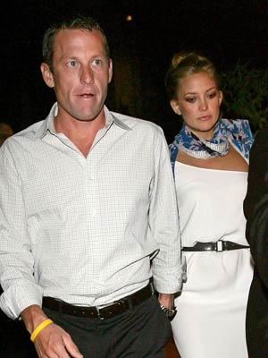 Kate Hudson and Lance Armstrong go for lunch with Goldie Hawn