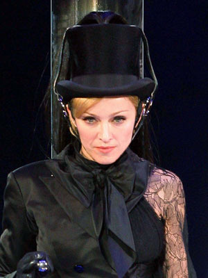 Madonna wants a controversial collaboration