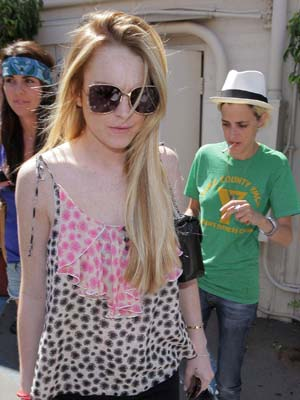 Lindsay Lohan goes out for lunch with Samantha Ronson