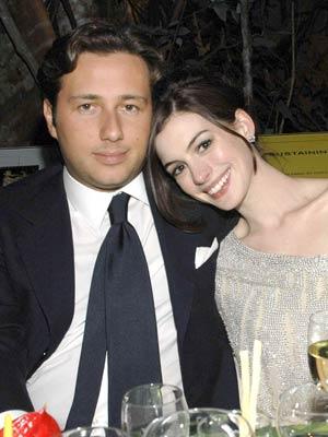 Anne Hathaway and Raffaello Follieri split up