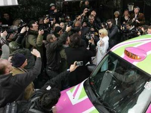 Paris Hilton is surrounded | Pictures | Now Magazine | Celebrity Gossip
