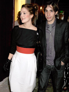 Drew Barrymore and Justin Long display their love