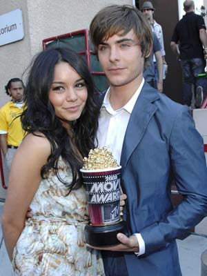 Zac Efron and Vanessa Hudgens' love story in pictures ...