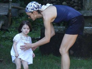 Katie Holmes and Suri | Katie Holmes and Suri holiday in Brazil | Celebrity Spy |  Now magazine