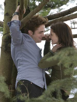 Robert Pattinson and Kristen Stewart | Twilight  - an international phenomenon  | Pictures | Now magazine | Celebrity gossip