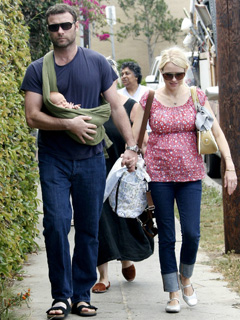 Naomi Watts and Liev Schreiber are proud parents