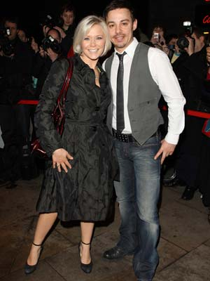 Suzanne Shaw |  Suzanne Shaw cuddles up to her man  | Pictures | Now Magazine | Celebrity Gossip