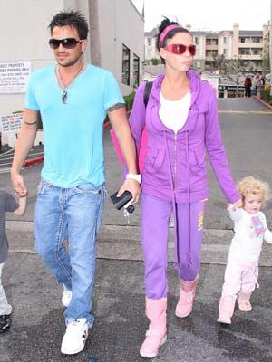 Jordan |  Jordan has a family day out | Pictures || Now Magazine | Celebrity Gossip
