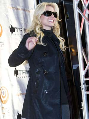 Britney Spears | Britney Spears gets a night off | Pictures | Now magazine | Celebrity gossip