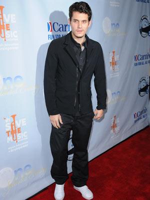John Mayer   John Mayer flies solo   Pictures   now magazine   celebrity gossip