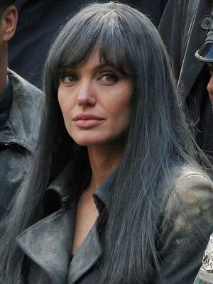 Angelina Jolie  | Celebrity hair:  Angelina Jolie   | Pictures | now magazine | celebrity gossip
