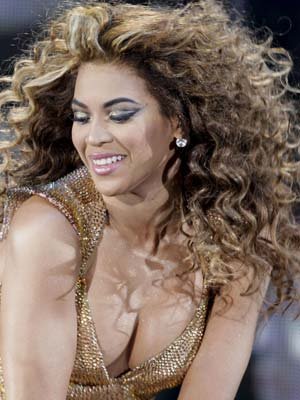Beyonce Knowles goes for volume | Now Magazine | Celebrity Spy | Pictures