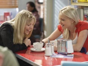 EastEnders: Ronnie Mitchell gets close to the Queen Vic's new barman | Pictures | Now Magazine | Celebrity Gossip