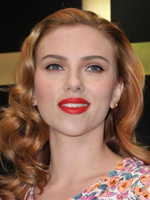 Scarlett Johansson Launches D G S Latest Make Up Range Celebsnow
