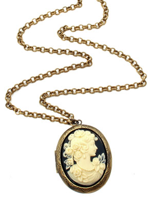 Cameo Necklace | Rock n Rose| Buy of The Week | Pictures | Now Magazine | Celebrity Gossip | Fashion | News | Photos