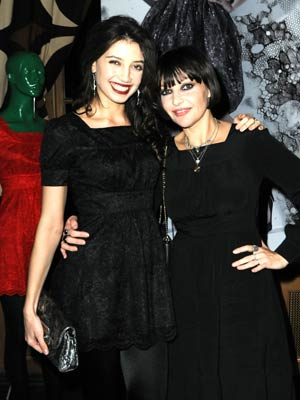 Pearl and Daisy Lowe Pictures| Now Magazine| Celebrity Gossip