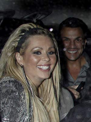 Peter Andre's night on the town | Peter Andre parties with Chantelle Houghton and Nicola McLean in London | Now Magazine | Celebrity Gossip | Pictures | Gallery Specials