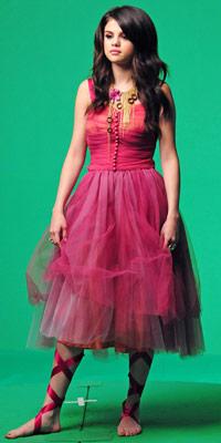 Selena Gomez | Celebrity fashion | Worst dressed | Pictures | Now  |  Fashion | New | Photos | Bad Style