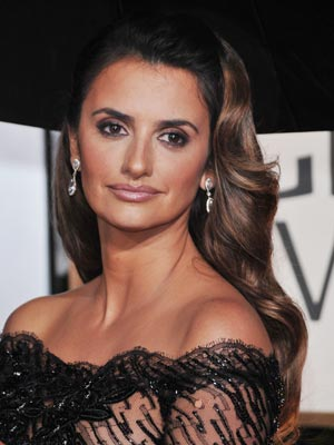Penelope Cruz | Celebrity hair | Golden Globes | Pictures | Now Magazine | Celebrity Gossip
