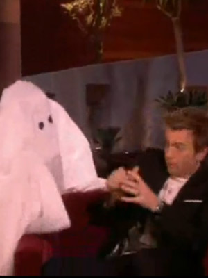 Ewan McGregor | Ewan McGregor gets spooked by a ghost on Ellen DeGeneres' US show | Now Magazine | Celebrity Gossip | TV News | Pictures