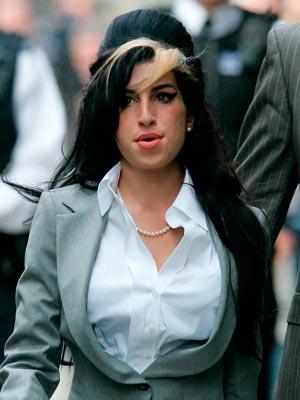 Amy Winehouse | Celebrity hair | Pictures | Now Magazine | Celebrity Gossip | Fashion | News | Photos