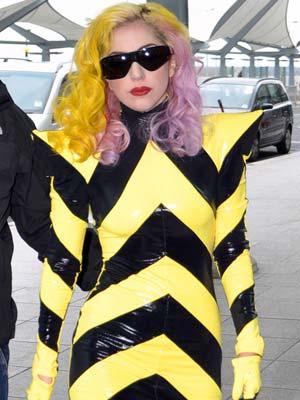 Lady Gaga | Now Magazine | Pictures | Celebrity Gossip | Fashion | Heathrow airport | DVT