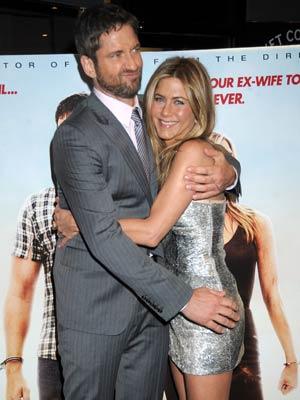 Gerard Butler Touches Jennifer Aniston S Bum Celebsnow