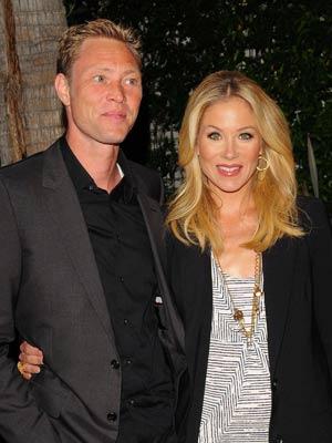 BABY JOY! Christina Applegate is pregnant - CelebsNow