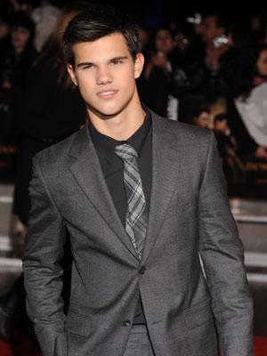 Taylor Lautner  The Twilight Saga: New Moon premiere  Pictures  Now Magazine  Celebrity Gossip