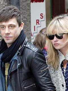 Kate Moss and Jamie Hince sight-see in Scotland