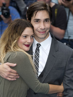 Drew Barrymore and Justin Long | Going The Distance | premieres | pictures | celebrities | nowmagazine